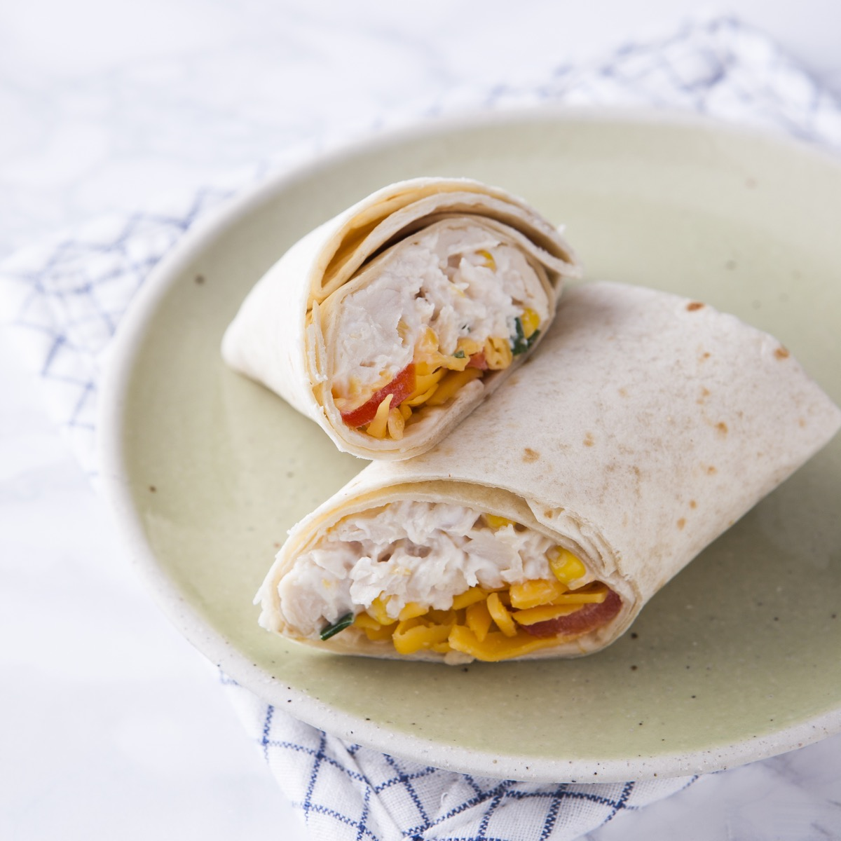 D|F Chicken Deluxe Wrap