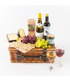 D|F Picnic Basket with Wine