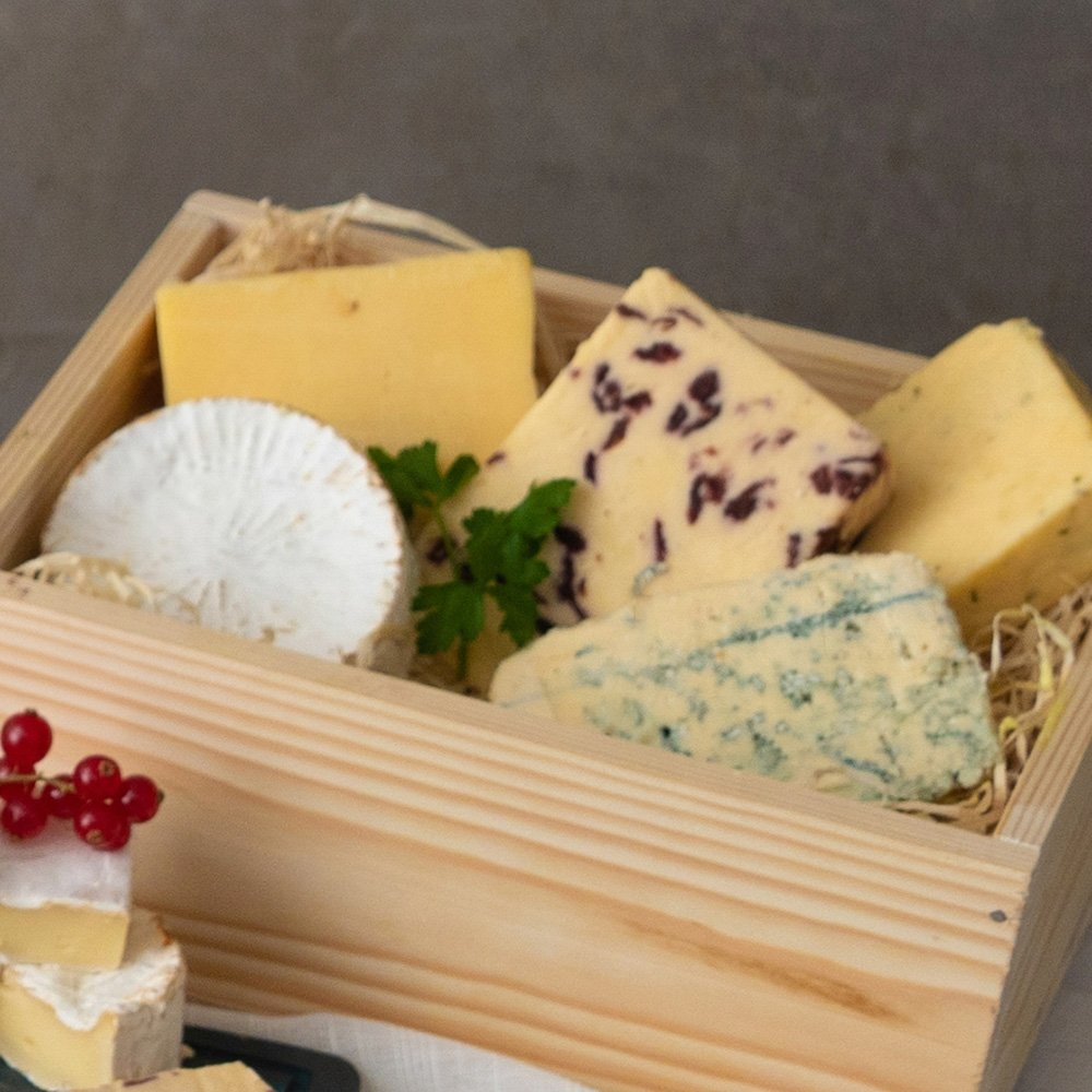 Cheese Wooden Gift Box ((Delivery until 19th Dec only))
